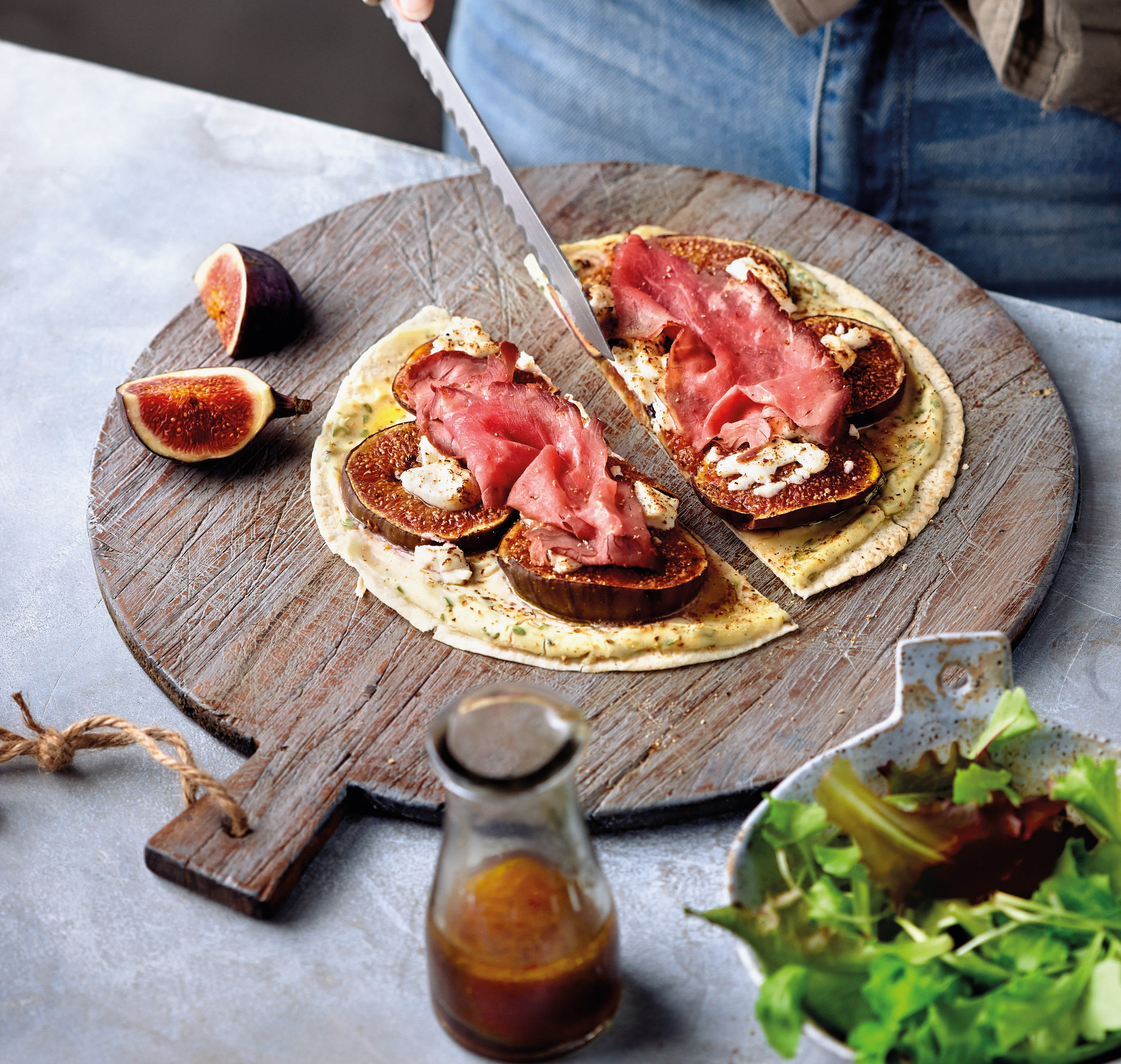 Foto van Pizza met vijgen en rosbief door WW