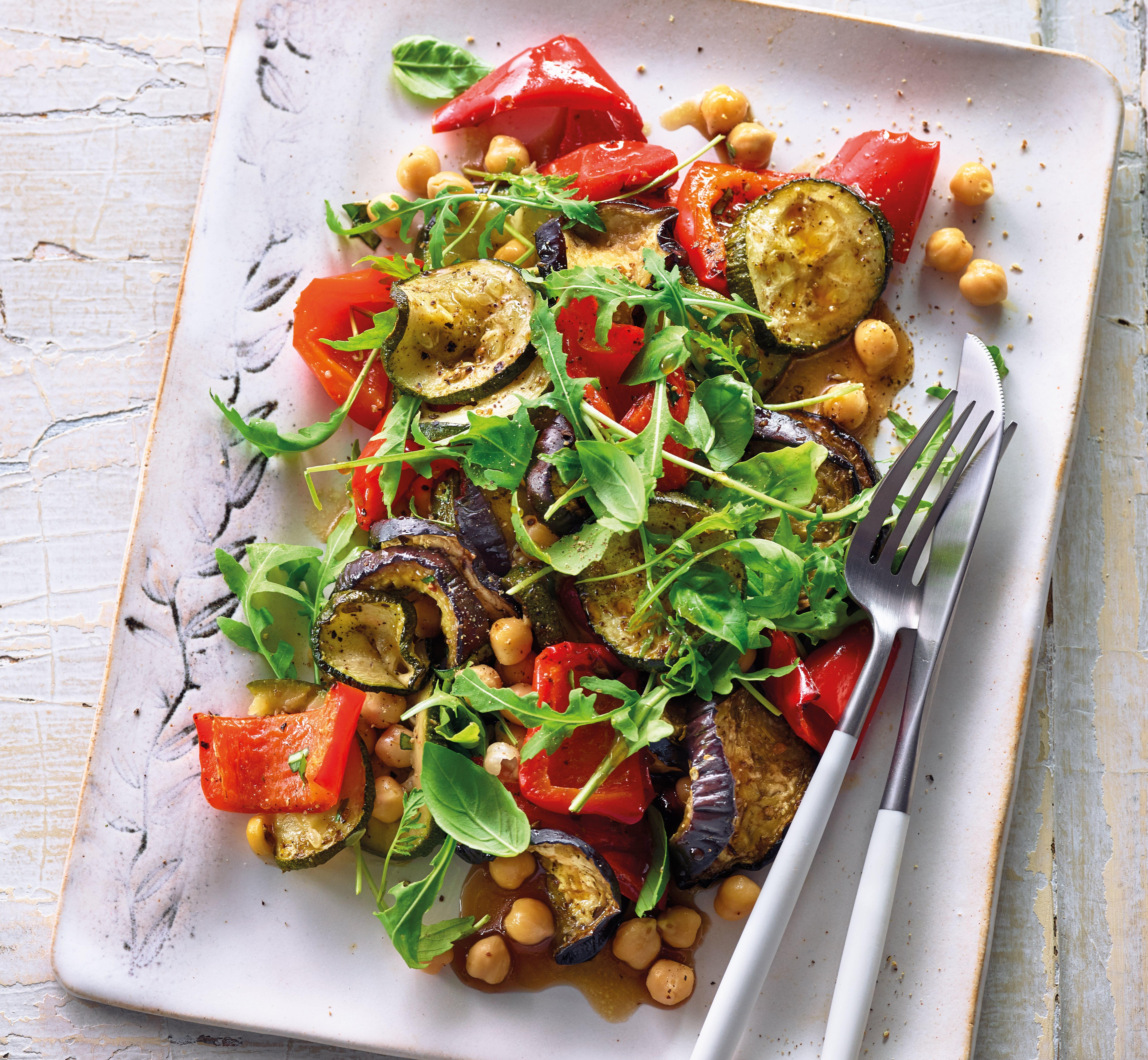 Foto van Salade van gegrilde groenten met kikkererwten door WW