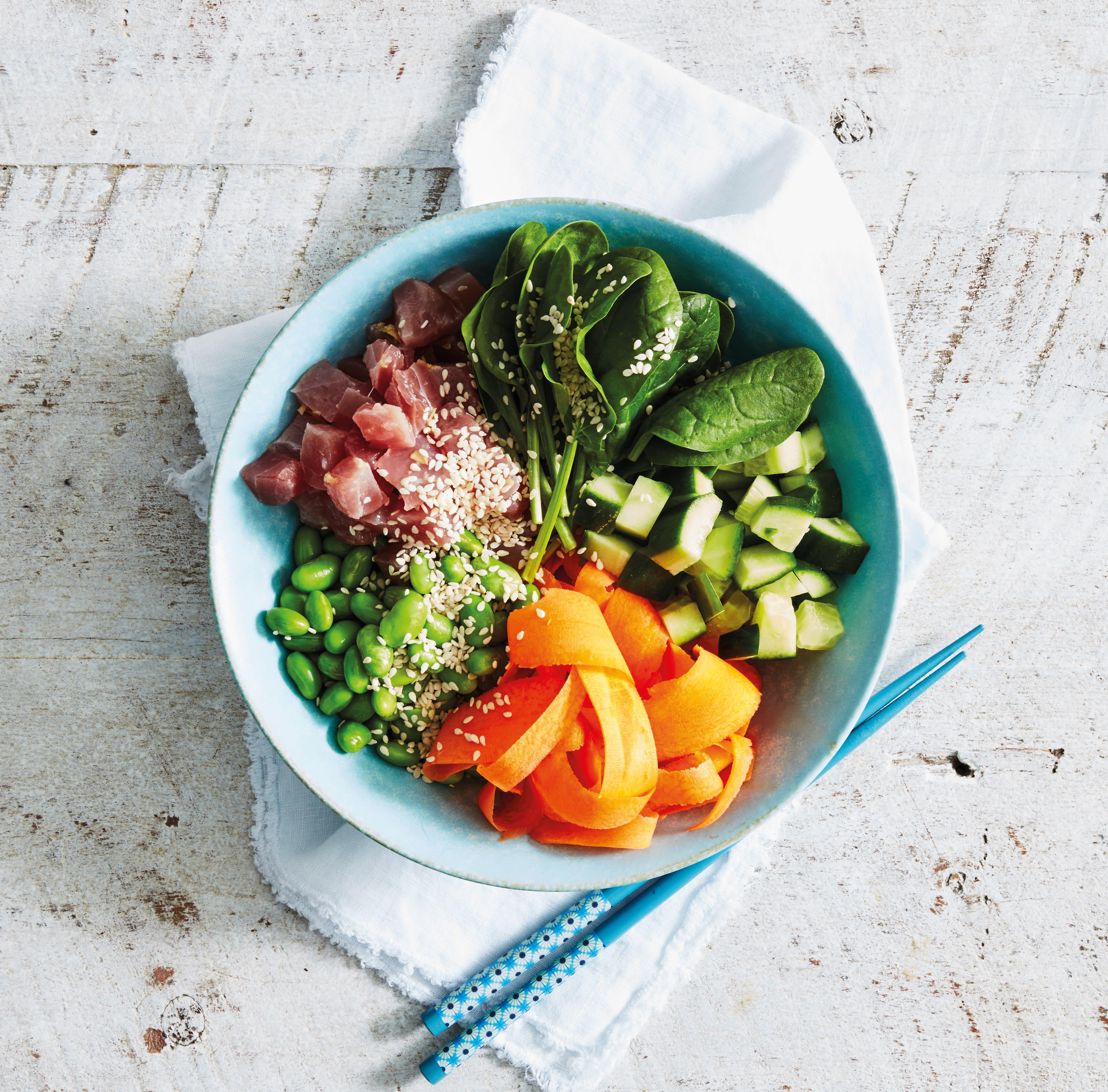 Foto van Poké bowl met tonijn en sesam door WW
