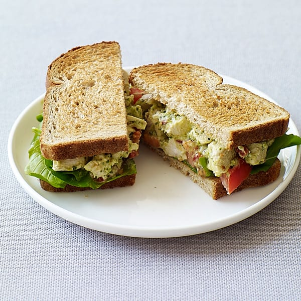 Foto van Sandwiches met pesto-kipsalade door WW