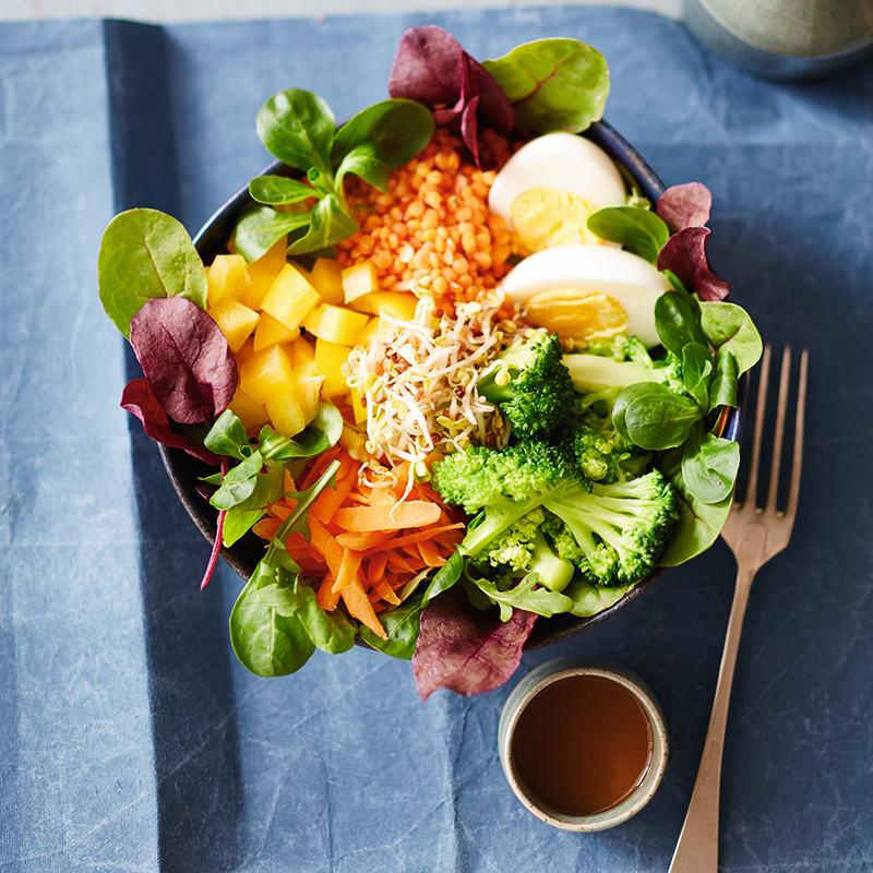 Foto van Linzenbowl met groenten en ei door WW