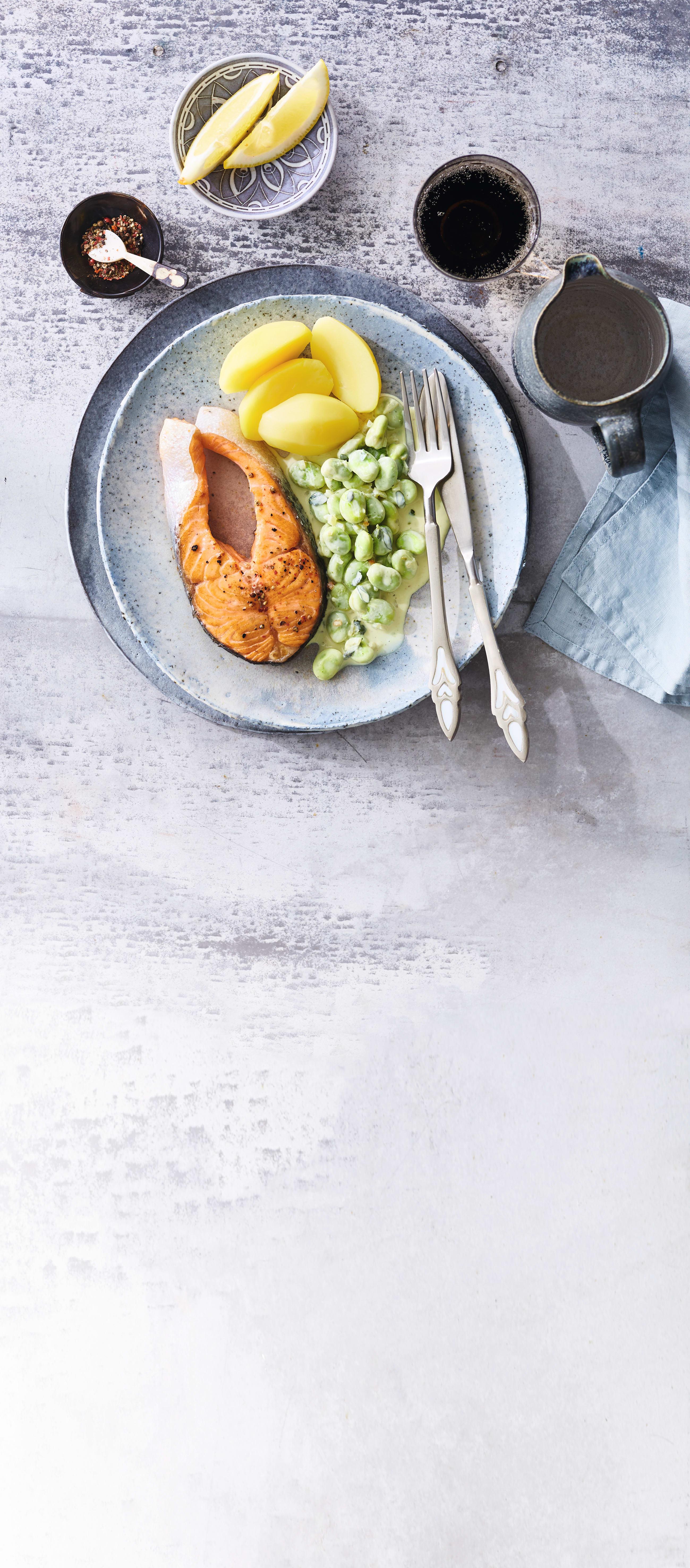 Foto van Zalm met tuinbonen en gekookte aardappelen door WW