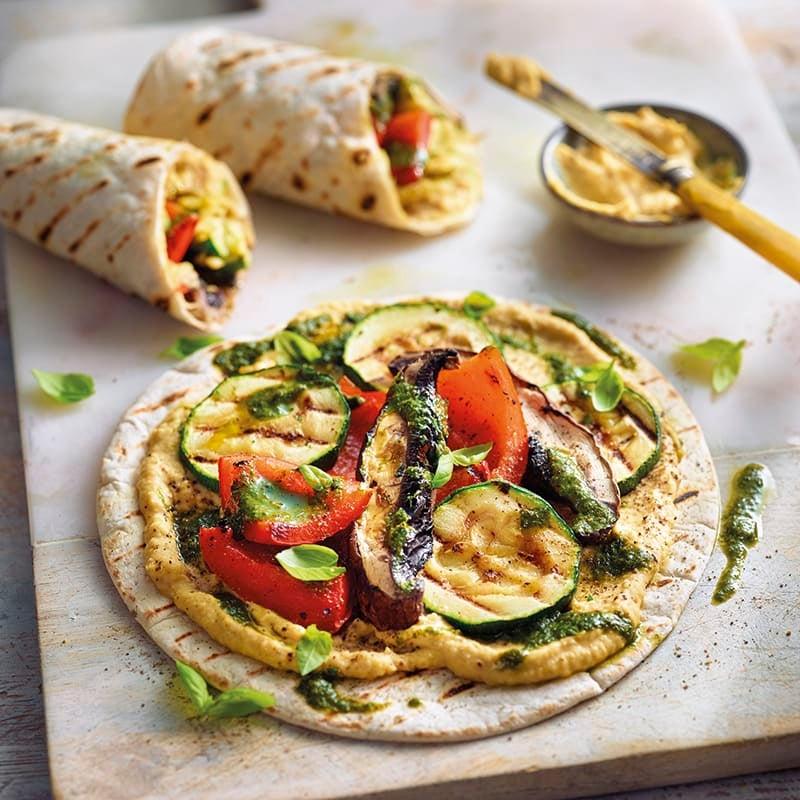 Foto van Wraps met gegrilde groenten en hummus door WW