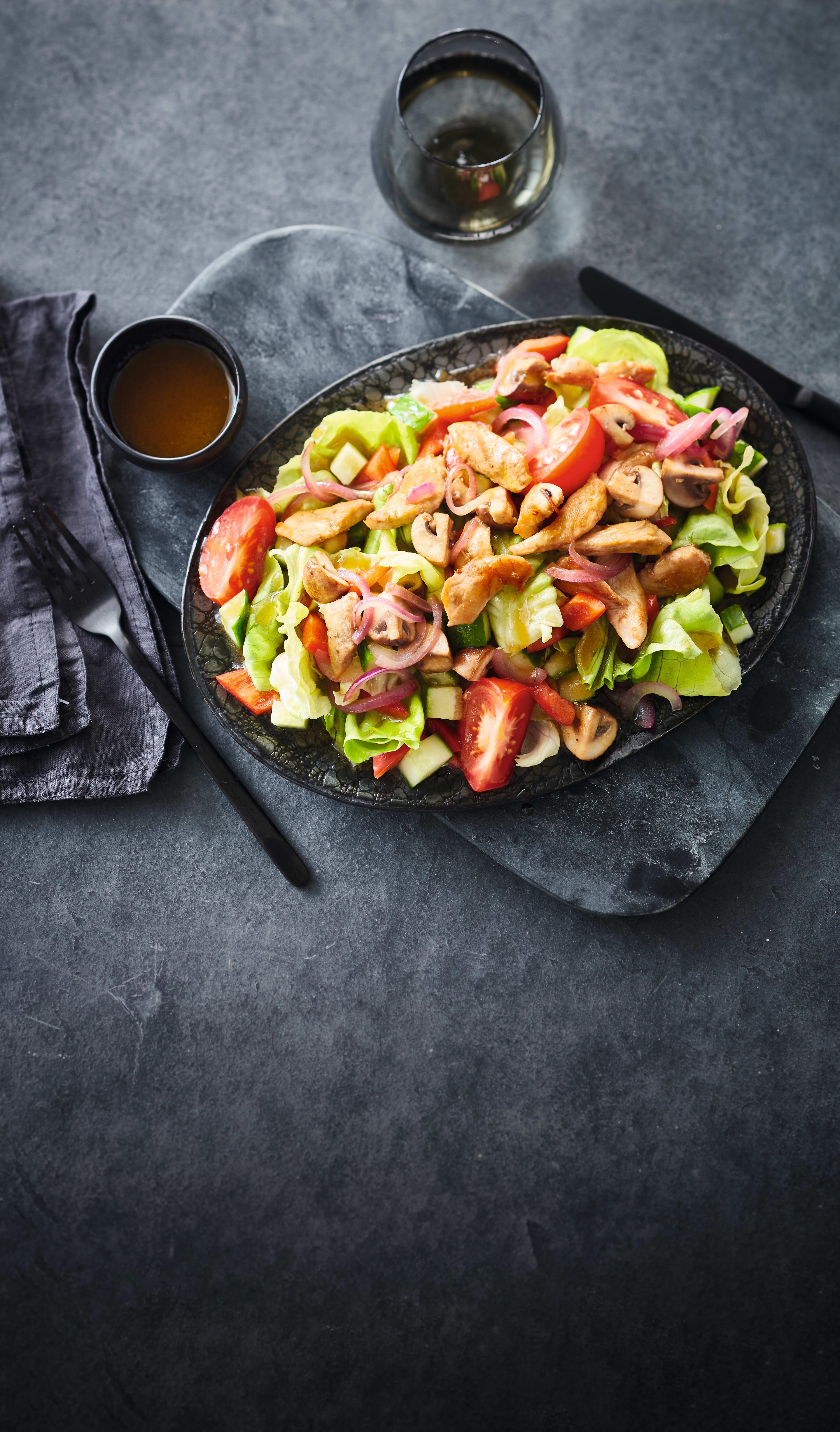 Foto van Gemengde salade met kip door WW