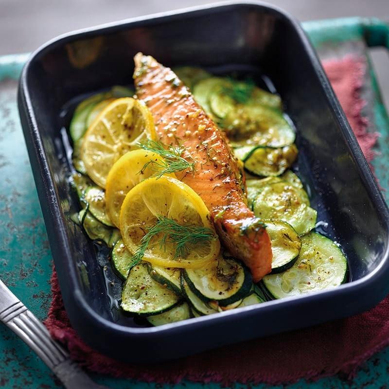 Foto van Zalm met courgette uit de oven in een citroen-mosterdmarinade door WW