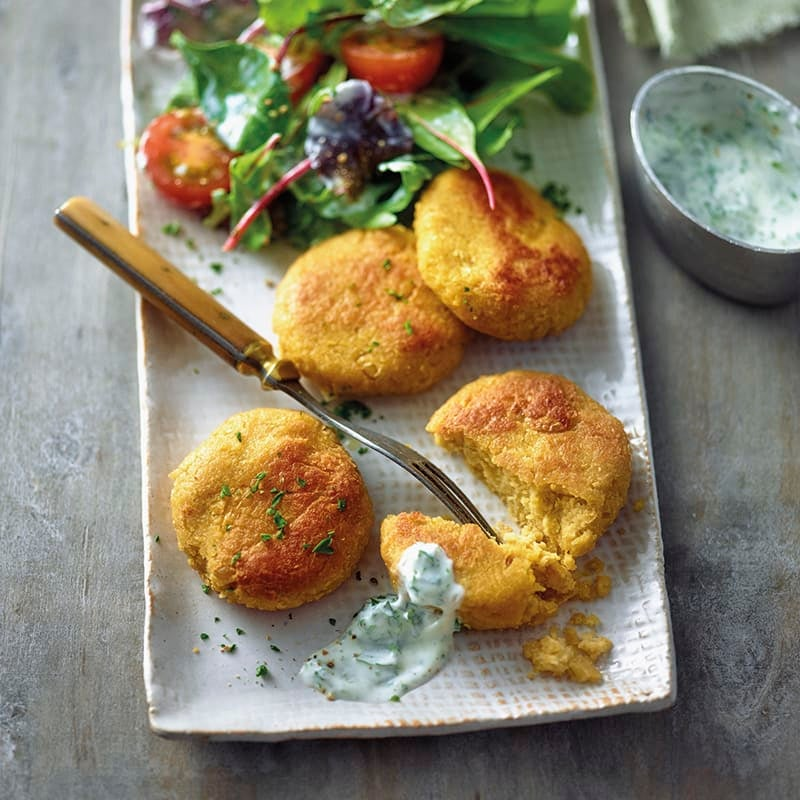 Foto van Falafel met salade en yoghurtdressing door WW