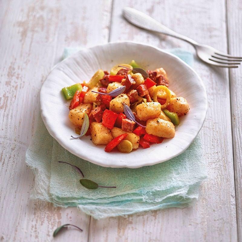 Foto van Gebakken zoete aardappel gnocchi met chorizo door WW