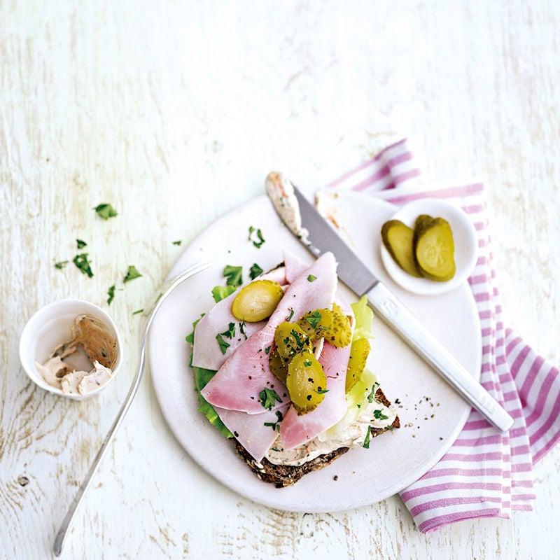 Foto van Hartige boterham met gekookte ham door WW