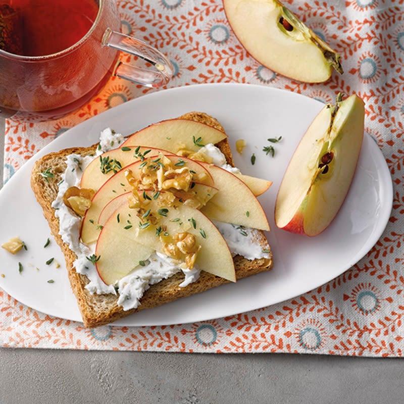 Foto van Boterham met appel en geitenkaas door WW