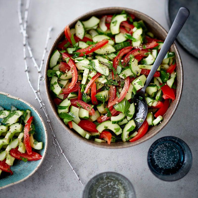 Foto van Komkommer-tomatensalade door WW