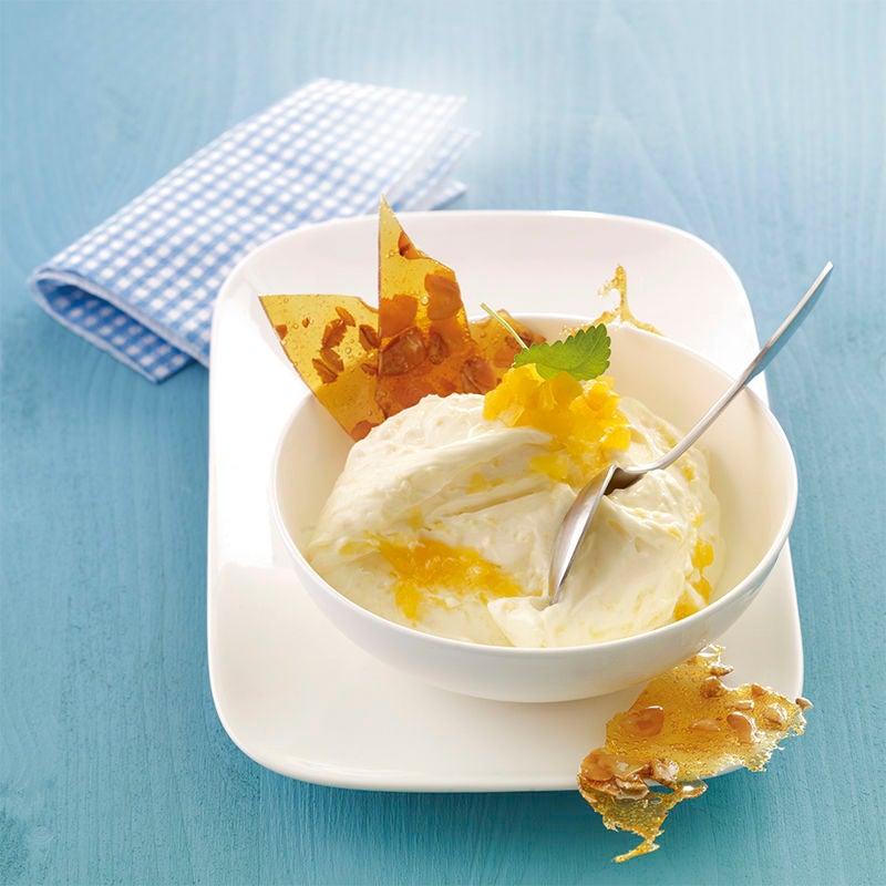 Foto van Frozen yoghurt met amandelkrokant door WW