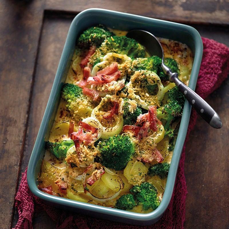 Foto van Aardappel-broccoligratin met kruidige kaaskorst door WW